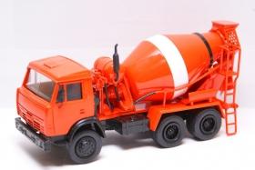 КамАЗ-55111 автобетоносмеситель АБС-5 (оранжевый) 1:43