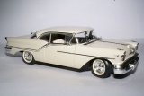 Oldsmobile Super 88 1957 white 1:18